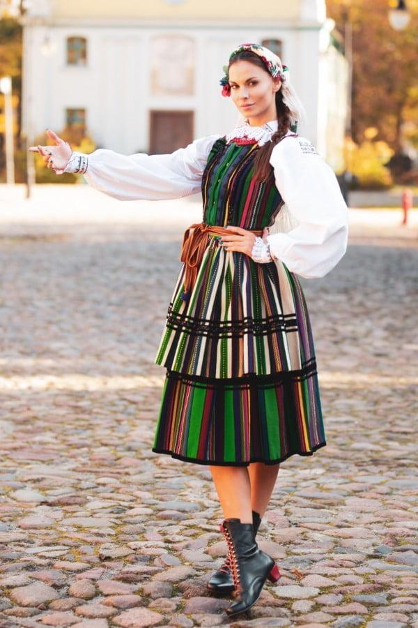 Agata Biernat w ludowym stroju na wybory Miss World 2018